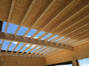 extension garage. lamellé-collé. Ossature bois. cassettes metalliques